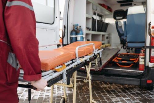 Trasporti in ambulanza: come funzionano e in quali casi sono a pagamento?